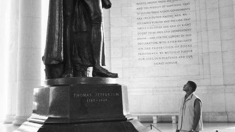 Shannon LaNier at Jefferson Memorial