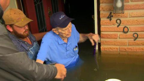 harvey houston flood rescue dickinson lavandera vo_00000000.jpg