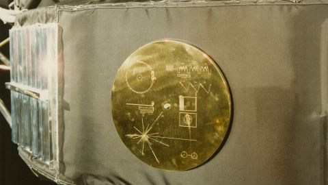 A gold record in its cover, attached to a Voyager space probe, USA, circa 1977. Voyager 1 and its identical sister craft Voyager 2 were launched in 1977 to study the outer Solar System and eventually interstellar space. The record, entitled 'The Sounds Of Earth' contains a selection of recordings of  life and culture on Earth. The cover contains instructions for any extraterrestrial being wishing to play the record. (Photo by Space Frontiers/Archive Photos/Getty Images)