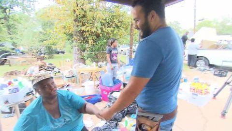 hurricane harvey woman reunites with rescuer rosa flores_00010127.jpg
