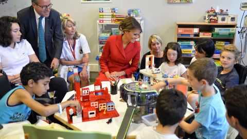 PARIS, FRANCE - JULY 13:  United States First Lady Melania Trump speaks with children as she visits Necker Hospital for children on July 13, 2017 in Paris, France. The United States of America President Donald Trump and his wife are on a 2 days visit to Paris. (Aurelien Meunier/Getty Images)