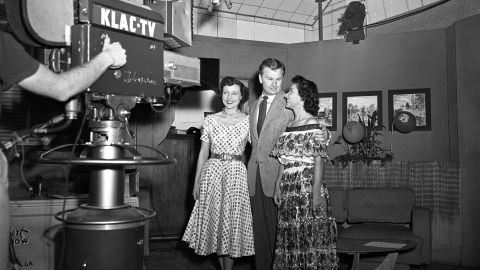 """White, left, and actor Eddie Albert host a broadcast of """"Hollywood on Television,"""" which was a live daily talk show in Los Angeles."""