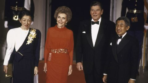 Akihito and Michiko are received at the White House by US President Ronald Reagan and first lady Nancy Reagan in 1987.