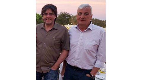 Carles Puigdemont (L) and friend Jami Matamala pictured in 2016.