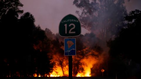 CALIFORNIA, USA - OCTOBER 10: Smoke and flames rise as a wildfire from the Santa Rosa and Napa Valley moves through the area in California, United States on October 10, 2017.  (Photo by Tayfun Coskun/Anadolu Agency/Getty Images)