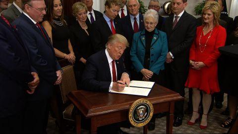 trump signs health exec order