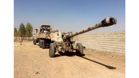 Peshmerga forces positioned north of Altun Kuprii.