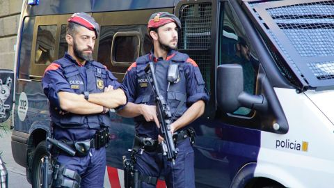 Catalan police were seen guarding the entrance of the Catalan government's headquarters in Barcelona on October 30, 2017.