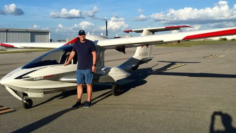 A photo of Roy Halladay and his A5 airplane that he posted to Twitter.