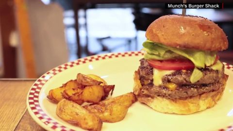 trump burger asia trip moos pkg_00014912.jpg