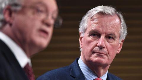 Britain's chief Brexit negotiator David Davis (L) and the EU's chief negotiator Michel Barnier.