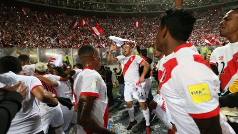 On Thursday 16 November,  Peru became the final team to secure a World Cup spot thanks to a 2-0 win over New Zealand in the second leg of their playoff match, ensuring qualification for La Blanquirroja for the first time since 1982.
