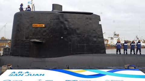 File picture released by Telam showing the ARA San Juan submarine being delivered to the Argentine Navy after being repaired at the Argentine Naval Industrial Complex (CINAR) in Buenos Aires, on May 23, 2014.  The Argentine submarine is still missing in Argentine waters on November 17, 2017, after it lost communication more than 48 hours ago. / AFP PHOTO / TELAM / ALEJANDRO MORTIZ / Argentina OUT        (Photo credit should read ALEJANDRO MORTIZ/AFP/Getty Images)
