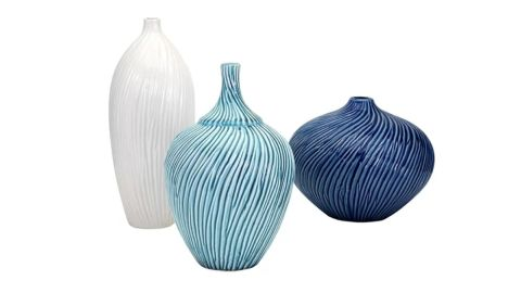 """<strong>R: Rosecliff Heights Whitmore 3 Piece Vase Set ($116.99; </strong><a href=""""https://www.wayfair.com/decor-pillows/pdp/rosecliff-heights-whitmore-3-piece-vase-set-rohe5254.html"""" target=""""_blank"""" target=""""_blank""""><strong>wayfair.com</strong></a><strong>) </strong>"""