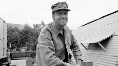 """<a href=""""http://www.cnn.com/2017/11/30/entertainment/jim-nabors-dead/index.html"""" target=""""_blank"""">Jim Nabors</a>, a singer and actor best known for his role as Gomer Pyle on """"The Andy Griffith Show,"""" died November 30, according to family friend and CNN affiliate KHNL-KGMB producer Phil Arnone.<br />Nabors was 87. His popular character was the center of a spinoff series, """"Gomer Pyle, U.S.M.C.,"""" which ran for five seasons."""