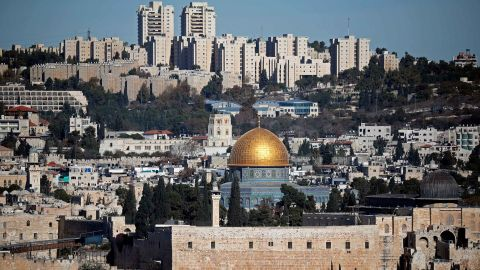 A general view of the city of Jerusalem shows the Dome of the Rock mosque (C) on December 4, 2017. Palestinian leaders were seeking to rally diplomatic support to persuade US President Donald Trump not to recognise Jerusalem as Israel's capital after suggestions that he planned to do so. East Jerusalem was under Jordanian control from Israel's creation in 1948 until Israeli forces captured it during the 1967 Six-Day War. Israel later annexed it in a move not recognised by the international community. / AFP PHOTO / THOMAS COEX        (Photo credit should read THOMAS COEX/AFP/Getty Images)