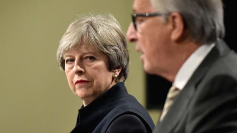 """British Prime Minister Theresa May (L) and European Commission chief Jean-Claude Juncker give a press conference as they meet for Brexit negotiations on December 4, 2017 at the European Commission in Brussels. British Prime Minister Theresa May meets European Commission chief Jean-Claude Juncker on December 4 as an """"absolute"""" deadline to reach a Brexit divorce deal expires. / AFP PHOTO / JOHN THYS        (Photo credit should read JOHN THYS/AFP/Getty Images)"""