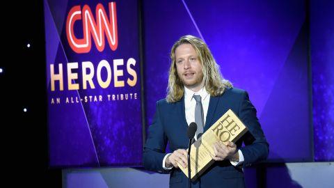 2017 CNN Hero Andy Manzi accepts his award.