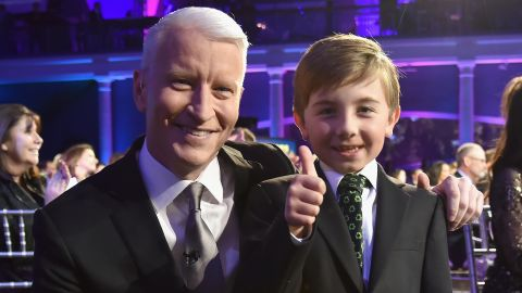 Anderson Cooper poses with 2017 CNN Young Wonder Ryan Hickman.