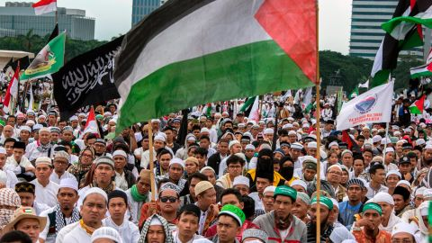 Protests took place in Jakarta Sunday as tens of thousands of Indonesian Muslims condemned Washington's decision to move its embassy to Jerusalem.