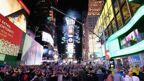 NEW YORK, NY - DECEMBER 31:  A general view during New Year's Eve 2017 in Times Square on December 31, 2016 in New York City.  (Photo by Dimitrios Kambouris/Getty Images)
