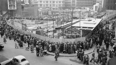 The temple quickly became a public sensation, catching the attention of Prime Minister Winston Churchill and attracting up to 30,000 visitors a day in the first two weeks of opening. However, the unforgiving nature of London's postwar development meant that it was dismantled and moved to make way for much needed construction.