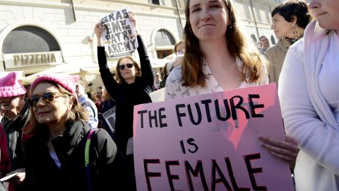 ROME, ITALY - JANUARY 20: Women demonstrate against violence and against Trump in solidarity with American women during the  Women's March along with the #MeToo movement, on January 20, 2018 in Rome, Italy. (Photo by Simona Granati - Corbis/Corbis via Getty Images)