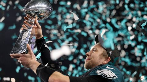 MINNEAPOLIS, MN - FEBRUARY 04:  Nick Foles #9 of the Philadelphia Eagles raises the Vince Lombardi Trophy after defeating the New England Patriots 41-33 in Super Bowl LII at U.S. Bank Stadium on February 4, 2018 in Minneapolis, Minnesota.