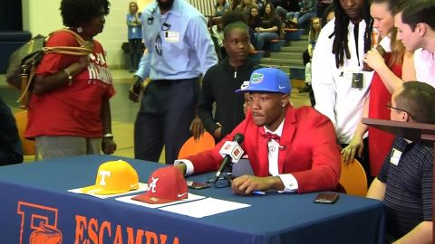 PENSACOLA, Fla. - Pensacola's Jacob Copeland will likely never forget his National Signing Day experience.    The Escambia High wide receiver decided to commit to Florida, and his mom wasn't a fan of the decision.    Copeland donned the Florida Gators' hat on ESPN, and his mom, wearing an Alabama sweater and a Tennessee hat, walked off the set.