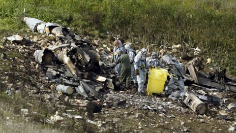 """A picture taken in the northern Israeli Kibbutz of Harduf on February 10, 2018, shows the remains of an Israel F-16 that crashed after coming under fire by Syrian air defences during attacks against """"Iranian targets"""" in the war-torn country. / AFP PHOTO / Jack GUEZ        (Photo credit should read JACK GUEZ/AFP/Getty Images)"""