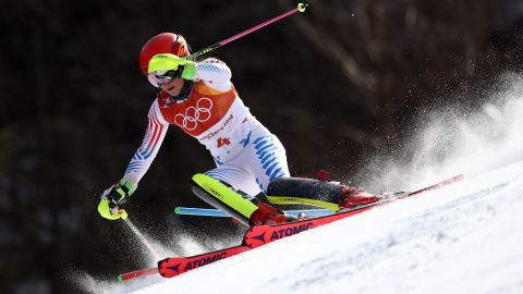 PYEONGCHANG-GUN, SOUTH KOREA - FEBRUARY 16: Mikaela Shiffrin of the United States competes during the Ladies' Slalom Alpine Skiing at Yongpyong Alpine Centre on February 16, 2018 in Pyeongchang-gun, South Korea.  (Photo by Ezra Shaw/Getty Images)