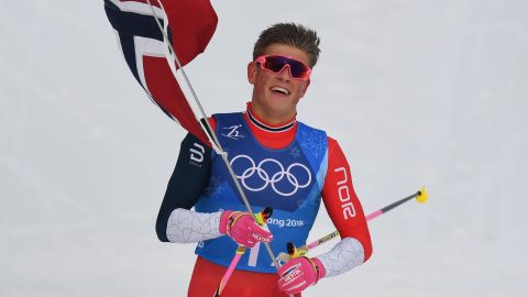 TOPSHOT - Norway's Johannes Hoesflot Klaebo crosses the finish line to win gold in the men's 4x10kms classic freestyle cross country relay at the Alpensia cross country ski centre during the Pyeongchang 2018 Winter Olympic Games on February 18, 2018 in Pyeongchang.  / AFP PHOTO / FRANCK FIFE        (Photo credit should read FRANCK FIFE/AFP/Getty Images)