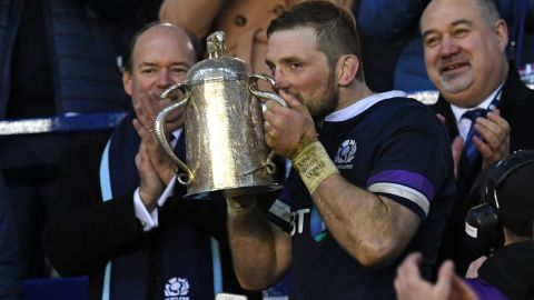 """Scotland's flanker John Barclay kisses the Calcutta Cup after <a href=""""http://coredev-dam-cnn.expprod.services.ec2.dmtio.net:8080/dam/assets/180226103040-stade-velodrome-six-nations-story-top.jpg"""" target=""""_blank"""" target=""""_blank"""">his side's 25-13 victory over England</a> at Murrayfield, Edinburgh. It was the first time Scotland has beaten its oldest rival in ten years."""