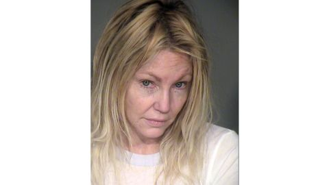 Actress Heather Locklear was arrested on Sun night and booked on 1 count of felony domestic battery and 3 counts of battery on a peace officer for physically attacking 3 responding Ventura County Sheriffís deputies, said Sgt Eric Buschow, VCSD. Deputies received a 911 call at 941pP regarding a domestic incident at Locklearís Thousand Oaks, CA home between Locklear and her boyfriend.