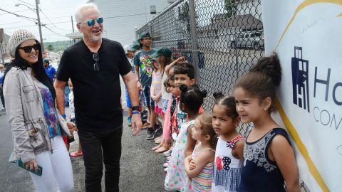 Cubs manager Joe Maddon and his wife, Jaye, visit his hometown of Hazleton, Pennsylvania, in June.