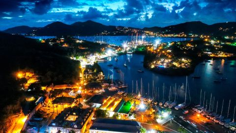 English Harbour features the historic Nelson's Dockyard, named after the Royal Navy's Admiral Horatio Nelson, who lived here in the 1780s.
