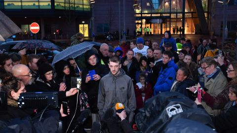 Tom Evans, father of Alfie Evans, speaks to media outside Alder Hey Children's Hospital.
