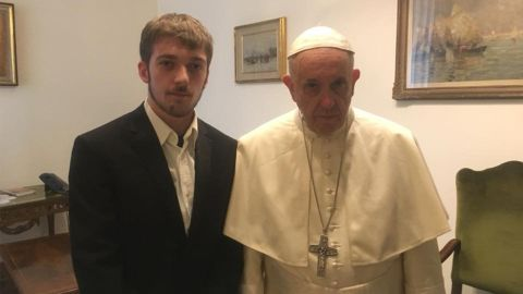 Thomas Evans meets with Pope Francis.