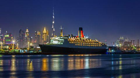 QE2 docked in Mina Rashid, Dubai