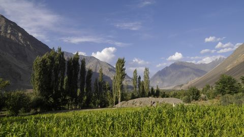<strong>Mastuj: </strong>The lush town of Mastuj in Khyber-Pakhtunkhwa province is famous for its historical Mastuj fort and other old ruins.