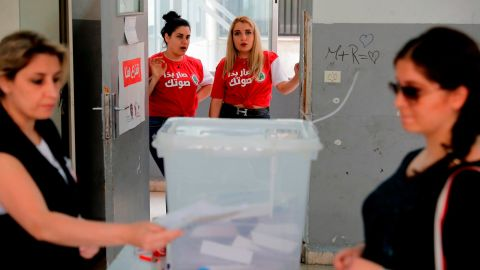 A Lebanese woman votes at a polling station in Ain al-Rummaneh on the southern outskirts of Beirut on May 6, 2018.