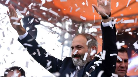 Armenian opposition leader Nikol Pashinyan gestures to supporters after being elected as prime minister in Yerevan's Republic Square on May 8, 2018. (Photo by Sergei GAPON / AFP)        (Photo credit should read SERGEI GAPON/AFP/Getty Images)