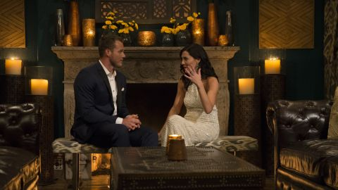 """Becca Kufrin spends time with Colton Underwood on """"The Bachelorette."""""""