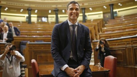 Pedro Sanchez poses in the parliament after the motion of no confidence vote Friday.