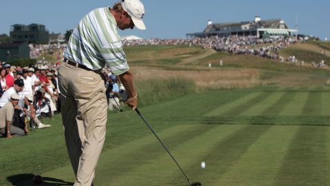 Goosen's countryman and playing partner in the final group, Ernie Els, shot himself out of contention with a closing 80 but intervened at times to keep troublemakers at bay.