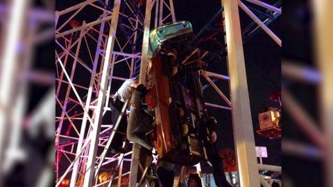 NS Slug: FL:DAYTONA BEACH ROLLER COASTER DERAILS(PHOTOS)  Synopsis: Roller coaster derails in Daytona Beach  Video Shows: Roller coaster derails in Daytona Beach    Keywords: ROLLER COASTER DAYTONA BEACH DERAIL