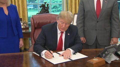 trump signs exec order