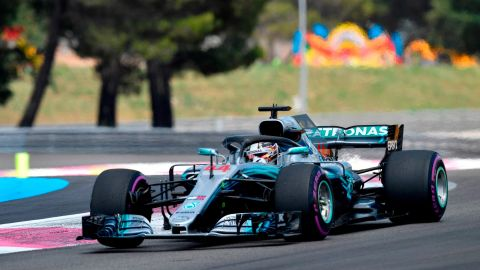 Briton Lewis Hamilton won the first French Grand Prix since 2008.<br />The Mercedes driver avoided the worst of a dramatic start that saw title rival Sebastian Vettel clip Valtteri Bottas. Both drivers sustained damage in the collision, forcing them to pit early them and fall to the back of the grid.
