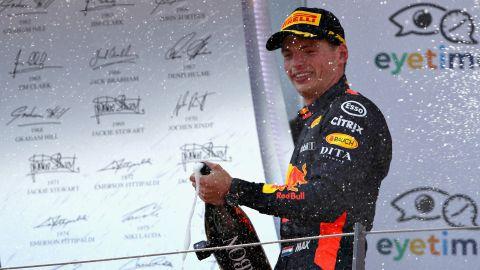Vettel - 146 points<br />Hamilton -  145 points<br />Raikkonen - 101 points