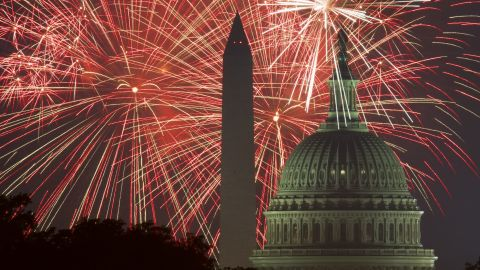 An image from the 2017 fireworks display in Washington, DC.